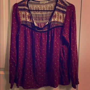 Beautiful women's top. Excellent condition